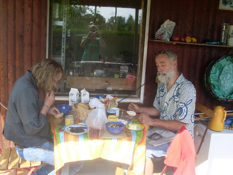 Frühstück in Wonne und Sonne am Morgen des Erntefests