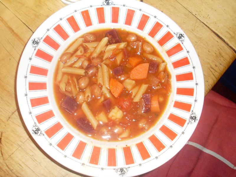 Minestrone 1. Versuch mit Karotte, Sellerie, Kohlrabi, Rote Bete und Champignons