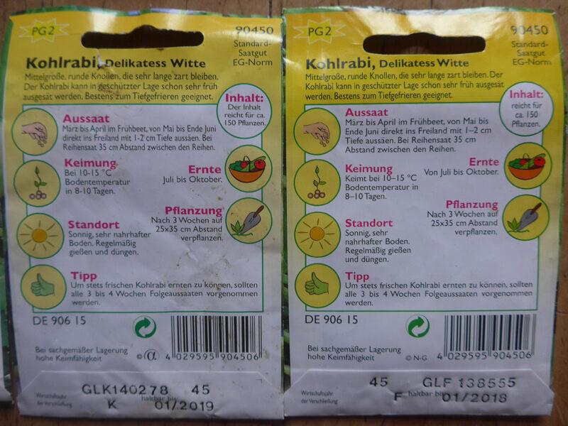 Rückseiten von zwei Saatgut-Tütchen