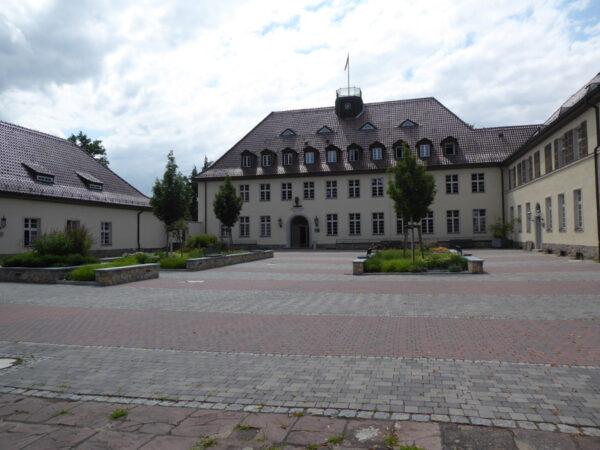 Innenhof des Erwin-Baur-Instituts in Müncheberg/Mark